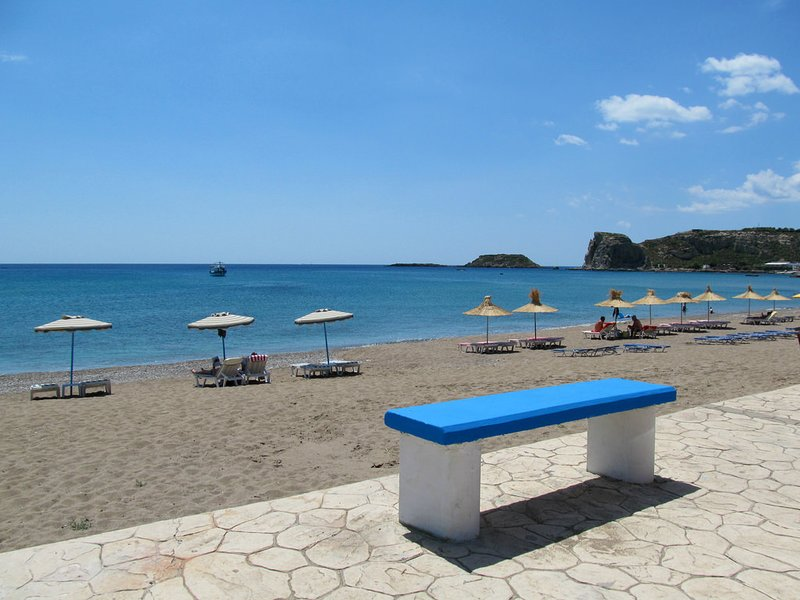 Fully equipped house just 3 minutes from the beach, location de vacances à Stegna