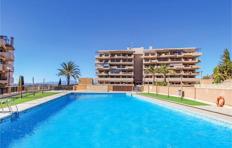 Awesome home in Arenales del Sol with WiFi and 3 Bedrooms (EBL082), location de vacances à El Altet