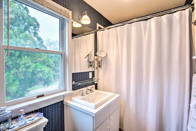 Enjuague en esta combinación de ducha / bañera antes de acostarse.