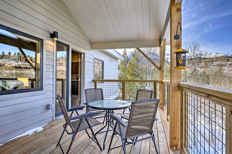 Spend time reconnecting with the Great Outdoors at this vacation rental!