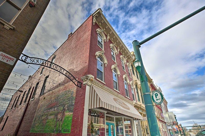 ¡Tu próxima escapada al histórico Georgetown te espera en este encantador estudio!