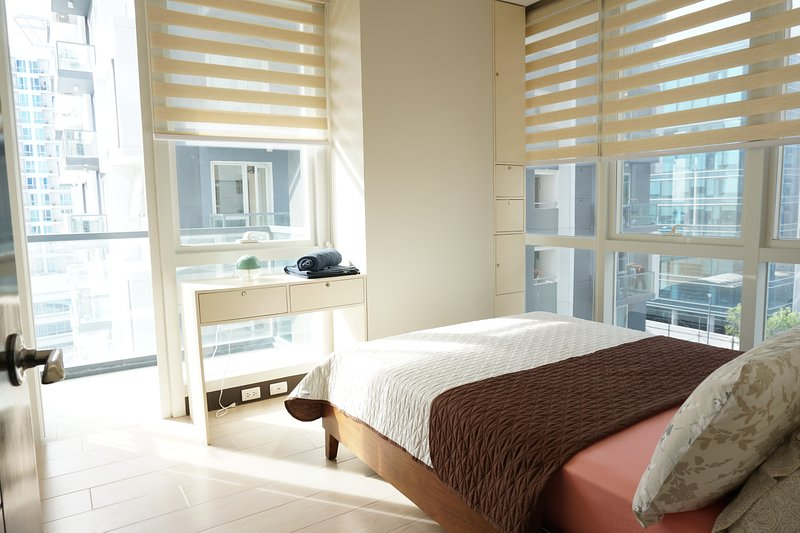 Luxury 1-Bedroom in Mactan Newtown, holiday rental in Lapu Lapu