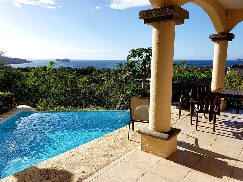 Beautiful Villa w/Ocean View from Every Room., location de vacances à Panama