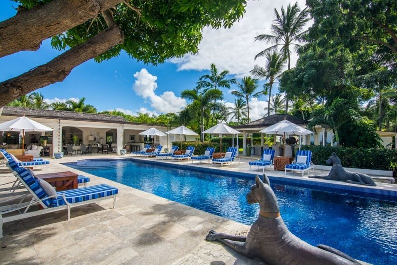Villa Casablanca | Near Ocean - Located in Exquisite Sandy Lane with Private Po, holiday rental in Paynes Bay