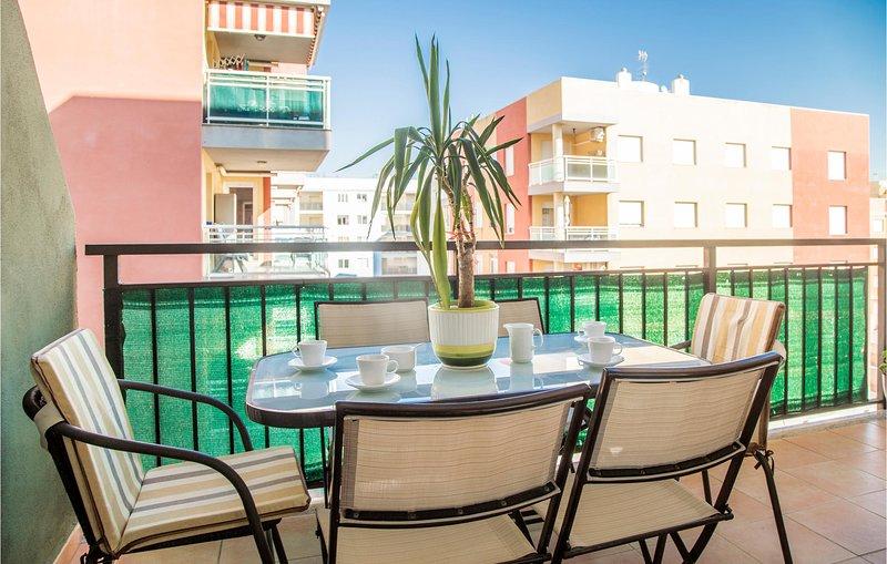 Stunning apartment in Moncofa with Outdoor swimming pool, Outdoor swimming pool, holiday rental in Eslida