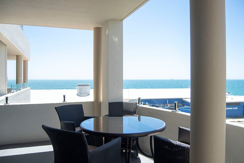 Cottesloe Beach View Apartments, holiday rental in Mosman Park