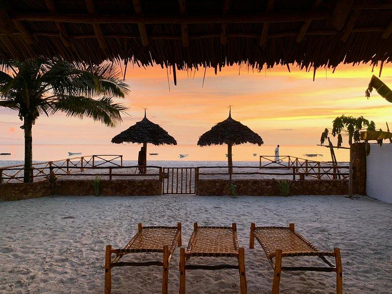 Beachfront Villa Thamani ZanzibarHouses, vacation rental in Matemwe