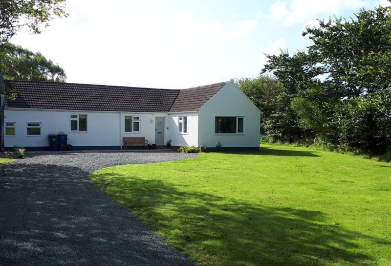 Y Twyni, close to the beautiful Llanddwyn beach, holiday rental in Dwyran