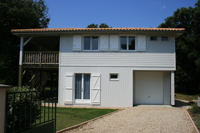 Soulac Beach House, just 200m from the beach