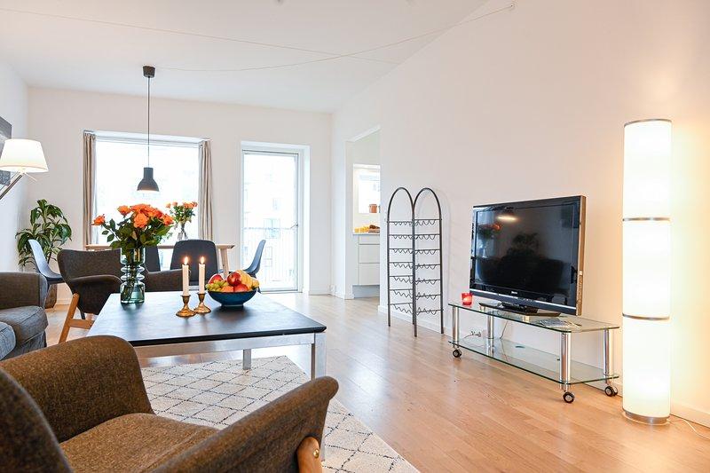 Spacious Modern 3-Bedroom Apartment near metro station in Copenhagen Orestad, holiday rental in Koege Municipality