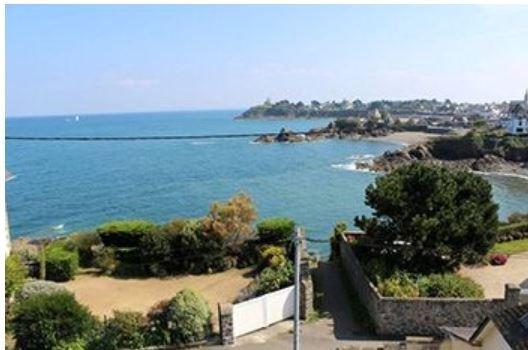 115 m² vue mer, au dessus plage, GR 34, exposé sud (3ch-2sde-2wc), location de vacances à Saint-Quay-Portrieux