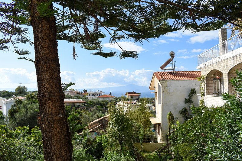 Quiet flat, a step away from the beach, location de vacances à Avia