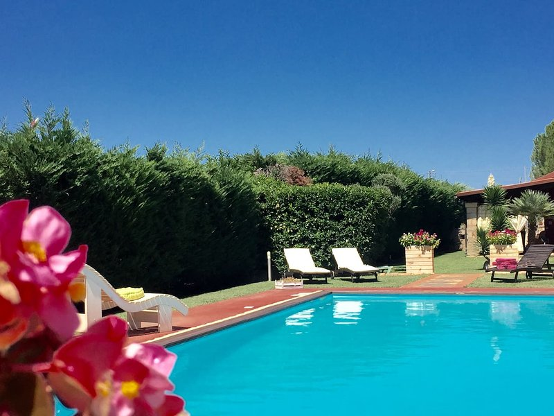 Spacious villa with swimming-pool, holiday rental in San Vito dei Normanni