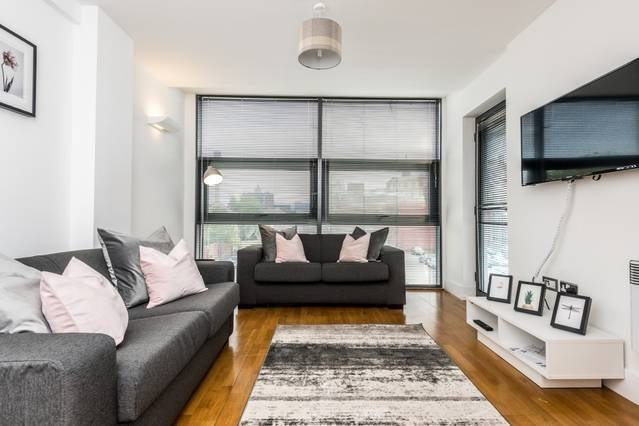 Modern Apartment with Free Parking, location de vacances à New Brighton
