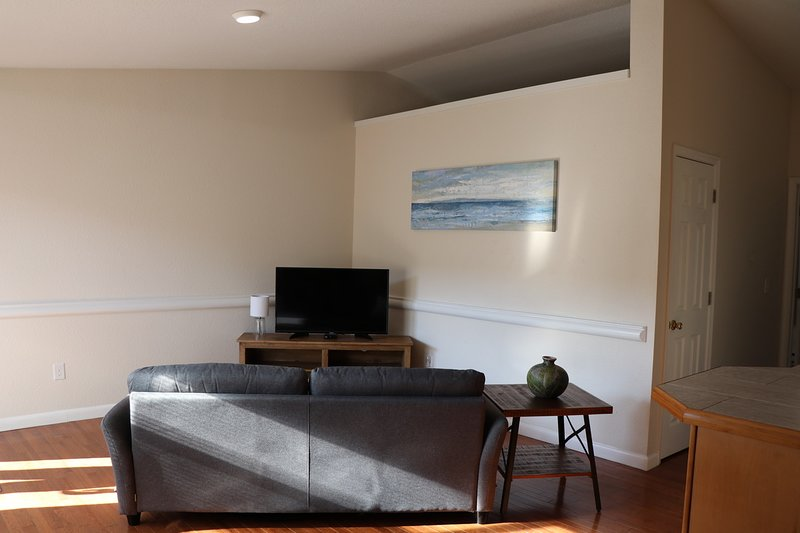 Relaxing 1 bedroom less than 20 min from downtown, vacation rental in Chesapeake