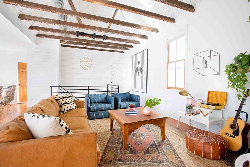 Splendida ristrutturazione storica: abbiamo cercato di fondere tutti gli aspetti storici della casa con lussi e comodità moderni!