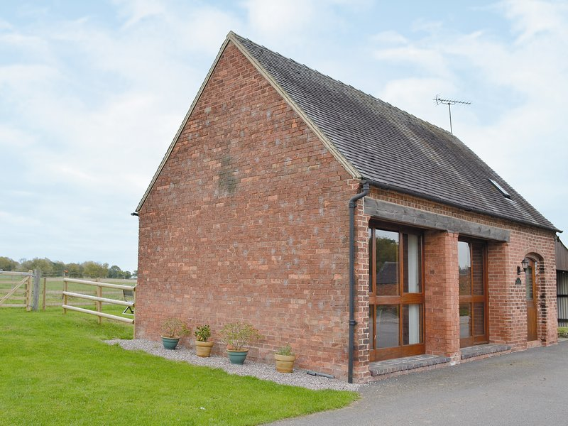 The Old Carthouse, holiday rental in Little Haywood