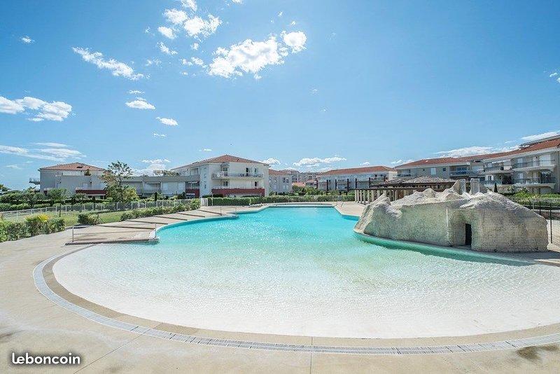 2 pièces dans domaine à 2 minutes des plages, holiday rental in Juan-les-Pins