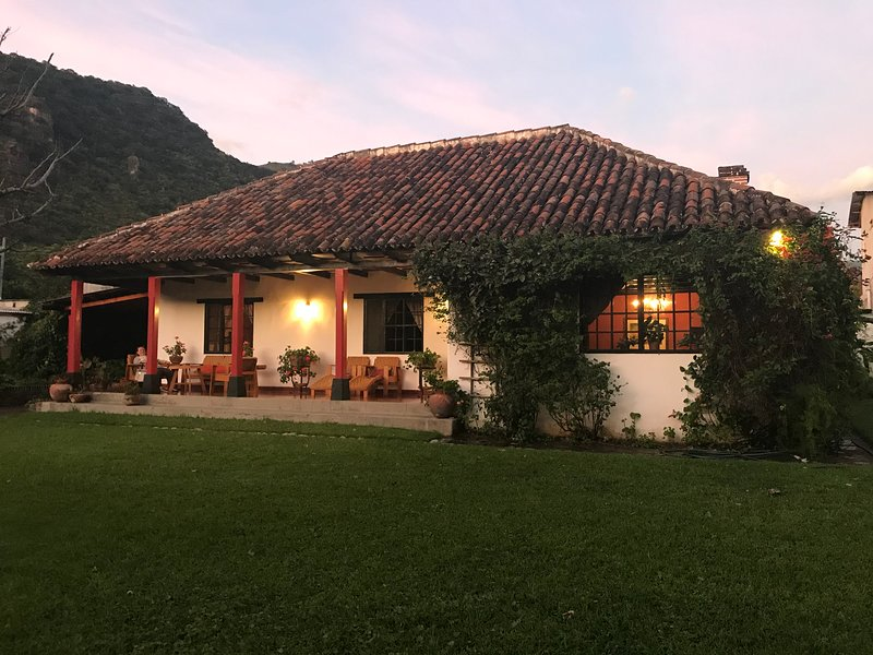 Historic house in the heart of Pana (unique), alquiler de vacaciones en Jaibalito