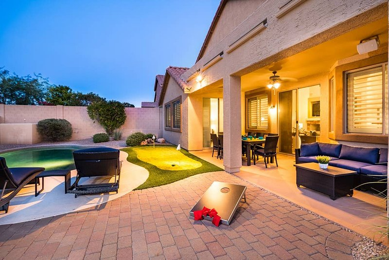 Relaxing Heated Pool, Fun Game Room, Prime Location, Outdoor Putting Green, More, holiday rental in New River