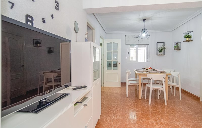 Stunning apartment in Córdoba with 2 Bedrooms (EAC449), holiday rental in Encinarejo de Cordoba