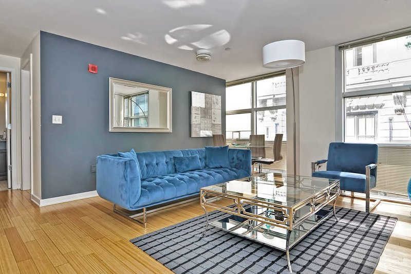 Evon - Downtown - Gorgeous 2BD/1BA Apt Near Subway T05, alquiler de vacaciones en Boston