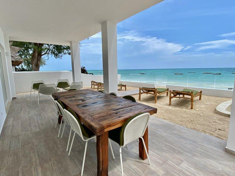 Ocean Blue Apartment with Jacuzzi ZanzibarHouses, casa vacanza a Pwani Mchangani