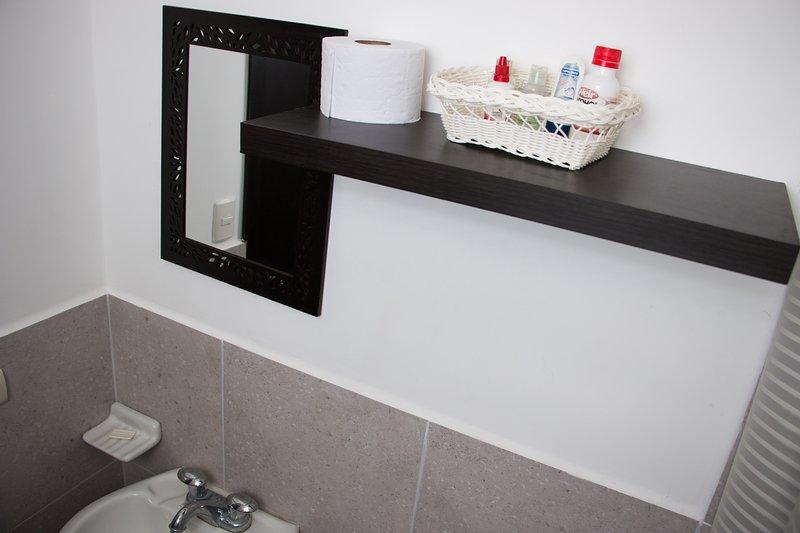 Baño ubicado en la habitación # 1 (habitación principal)