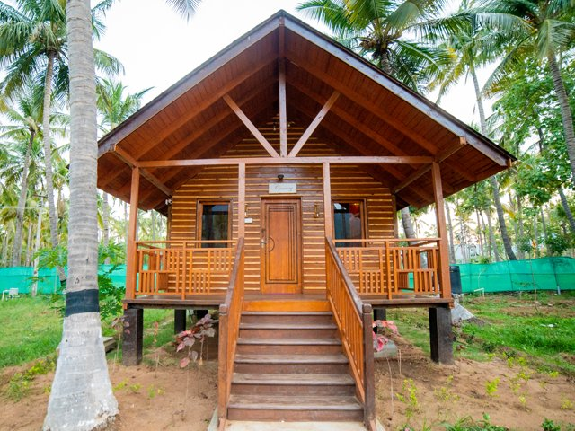 Canary - Classic Style Villa, vakantiewoning in Theni