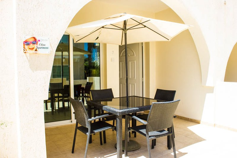 Chloe Apartment - 85304, holiday rental in Vrysoulles