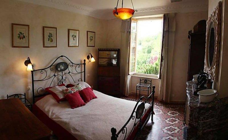 Mas du côté Sud Martignargues 16 personnes avec piscine privée, holiday rental in Saint-Maurice-de-Cazevieille