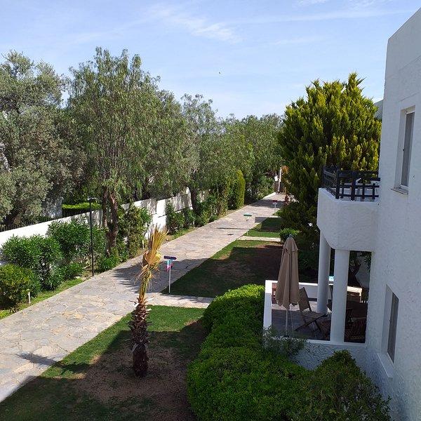 La Vida Blanca Villa -5, vacation rental in Torba