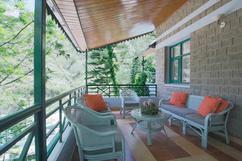 Seclude Summer Vine, Kasauli - Wisteria Room (Private), holiday rental in Solan