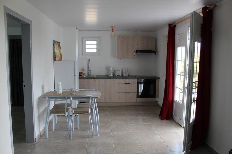 Très beau F3 tout confort, meublé, Ducos., alquiler vacacional en Ducos