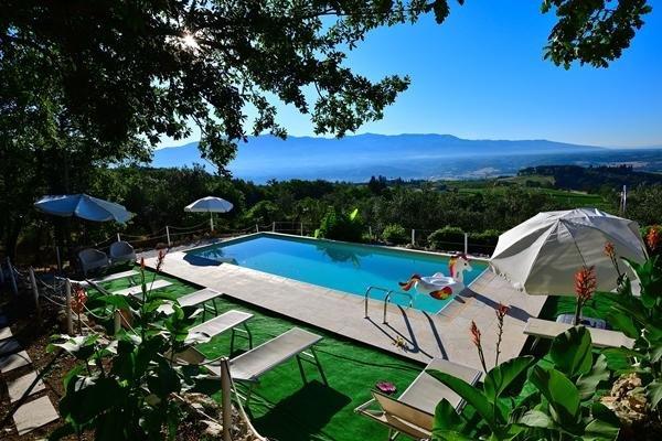 Big villa with swimming-pool & Wifi, location de vacances à San Donato in Collina