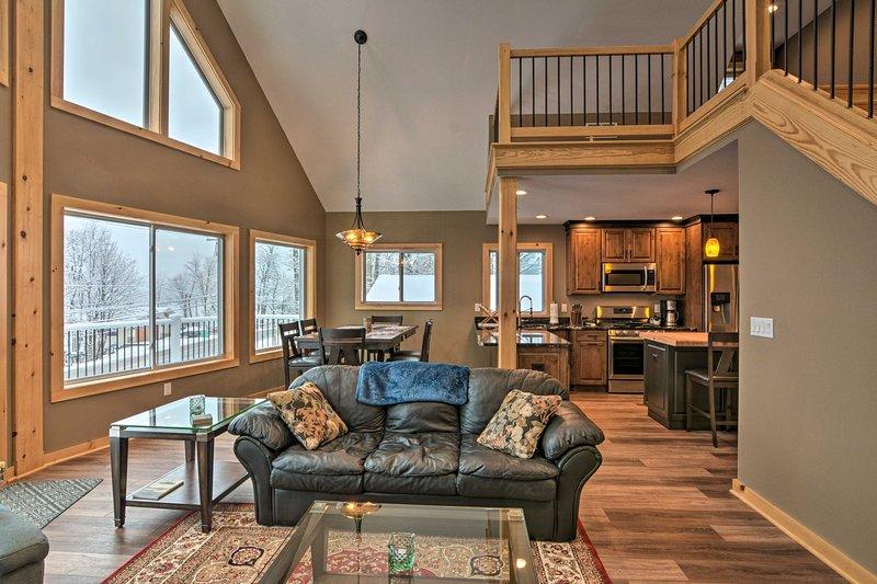 Finger Lakes 4-Season Home: Swim, Fish, Ski & Hike, alquiler vacacional en Lakeville