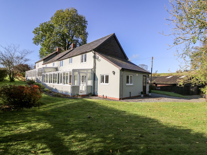 The Old Stables at Wakefield Green, Llanbister, holiday rental in Dulas