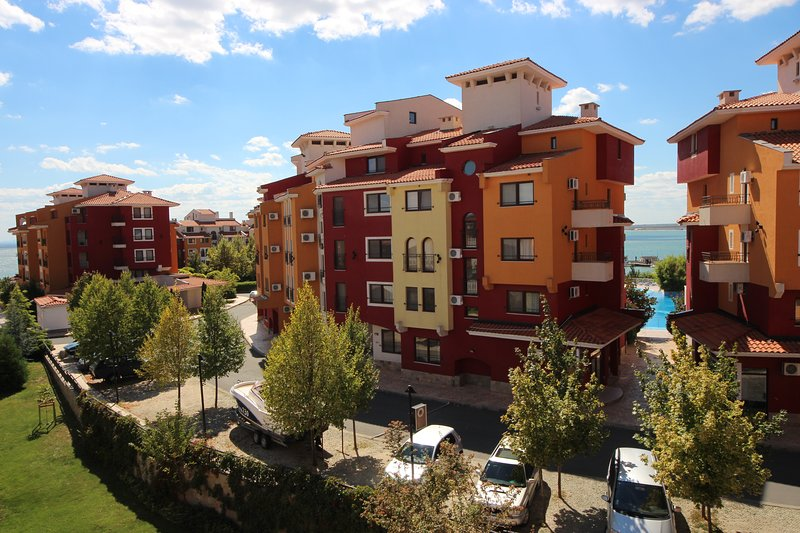 Marina Cape 32_58 - Commodious studio with balcony for 4 people, holiday rental in Kableshkovo