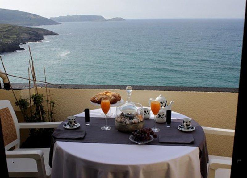 Amazing apartment with sea view, location de vacances à Bertoa