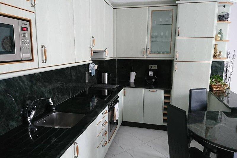 Beautiful apartment near the beach, location de vacances à San Lorenzo