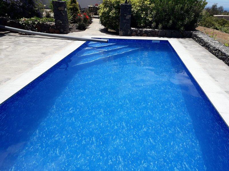 Beautiful villa with swimming-pool, aluguéis de temporada em Garafia