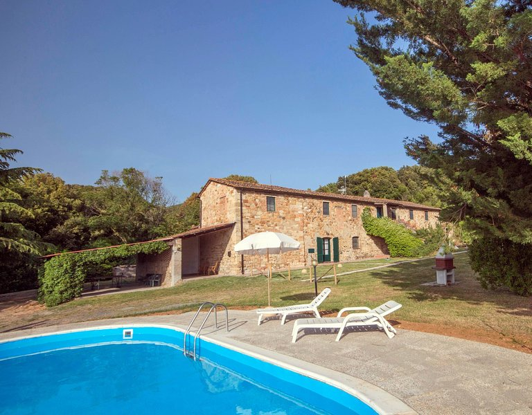 Nice,comfortable,typical Tuscan lodging in a lovely farmhouse,D1,air conditioned, location de vacances à Malandrone