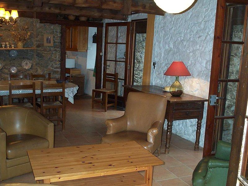 Apartment with mountain view, location de vacances à Saint Andre de Valborgne
