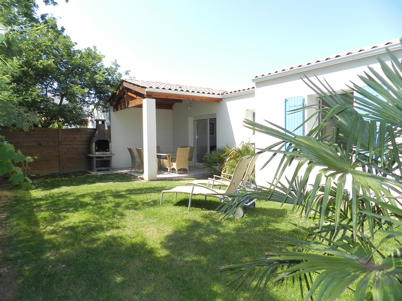 Paradiles Villa Le Goéland, holiday rental in Dolus-d'Oleron