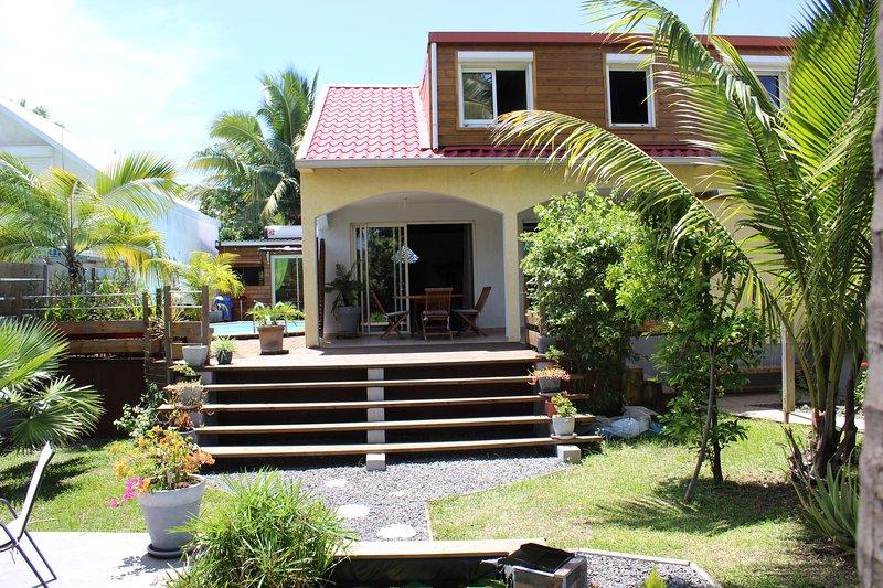 Maison tout confort 11 personnes idéal 2 familles, holiday rental in Etang-Sale les Hauts