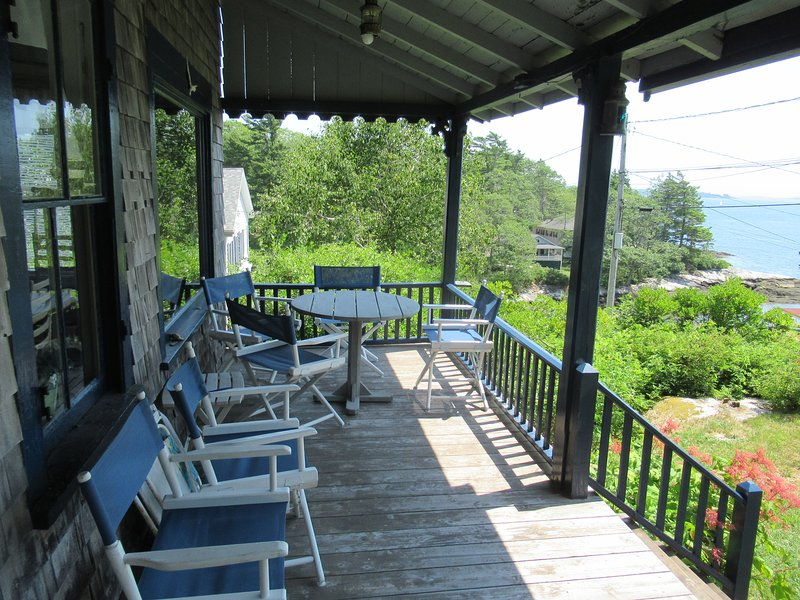 Classic Maine Cottage with Ocean Views and Beach, aluguéis de temporada em Squirrel Island