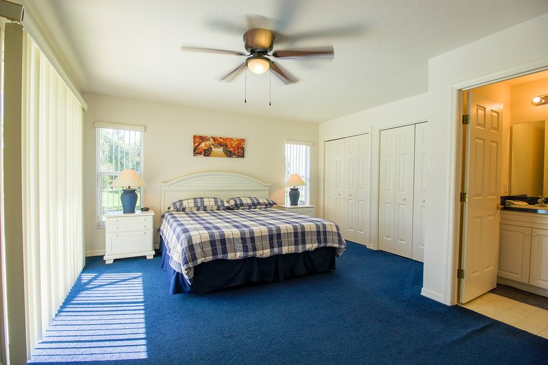Room,Indoors,Bedroom,Furniture,Ceiling Fan