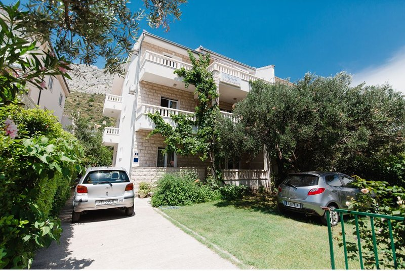 Apartments Diridonda, holiday rental in Dugi Rat