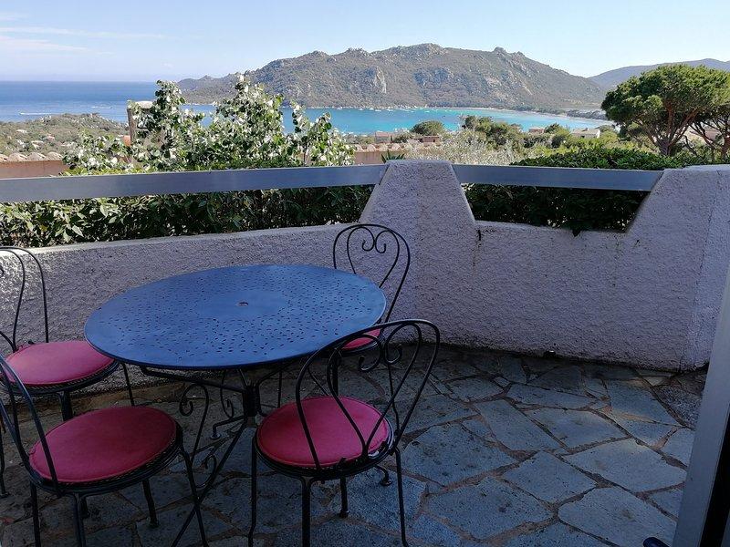 Mini-villa Santa Giulia, 2/4 pers, terrasse vue mer, piscine, plage à pied, holiday rental in Pietra Longa Salvini