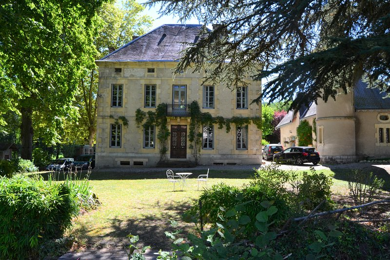 Manoir Le Bourg, a stunning home with large private pool in spacious grounds. A Touffailles landmark